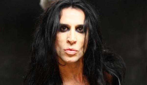 Mario Vaquerizo con maquillaje gótico para hombre