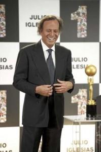 Julio Iglesias con tanorexia