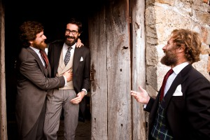 tres hombres con barba