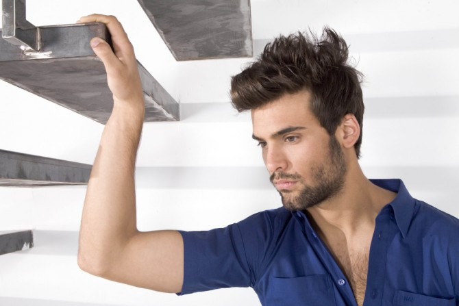 caída de pelo en hombre joven
