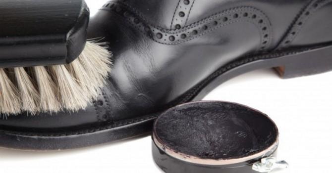 cuidado de los zapatos de hombre