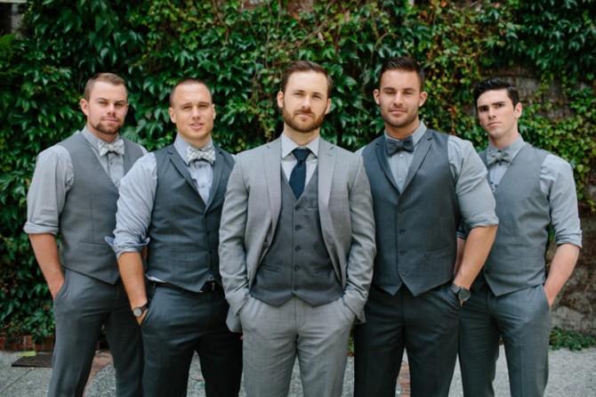 Trajes de boda personalizados y a medida. Te ofrecemos un amplio catálogo de trajes de boda a medida para novios, padrinos e invitados. Encuentra el estilo adecuado para tus ocasiones especiales. Compra tu traje para bodas online con envío gratuito.