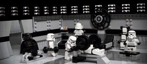 juguetes de Star Wars de lego en el gimnasio