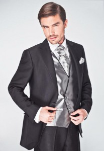 trajes-novio-el-corte-ingles-2015-traje-tres-piezas-con-chaleco-brillante