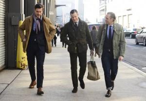 hombres paseando