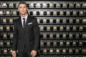 Cristiano Ronaldo presenta su primer perfume