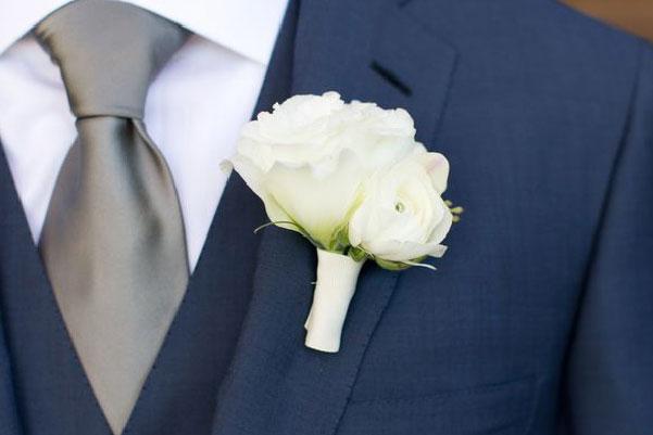 C mo debe vestir el novio en su propia boda for Boda en jardin como vestir