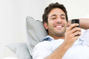 Whatsapp frente a los beneficios que tiene hablar cara a cara