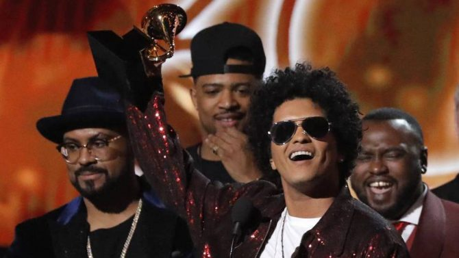 Bruno Mars triunfa en los Grammy 2018